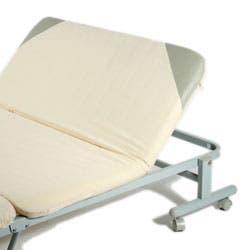 Sklápacie postele z odolného materiálu